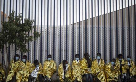 Εβδομήντα μετανάστες από το Μαρόκο κατάφεραν να εισέλθουν στη Μελίγια
