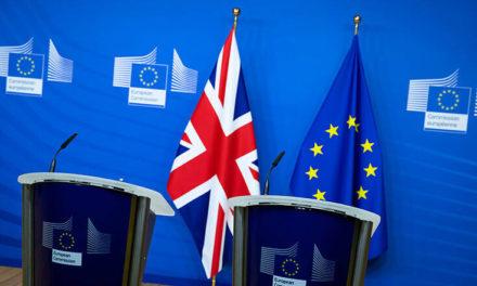 Το Λονδίνο χορηγεί πλήρες διπλωματικό καθεστώς στον πρέσβη της ΕΕ