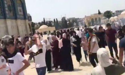 Συγκρούσεις ανάμεσα σε Παλαιστίνιους και την ισραηλινή αστυνομία στην πλατεία των Τζαμιών