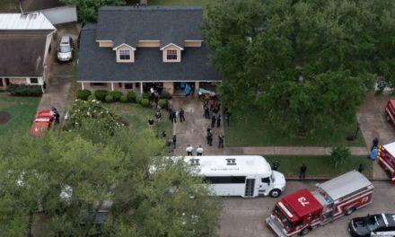 90 άτομα βρέθηκαν στοιβαγμένα σε σπίτι έπειτα από έφοδο της Αστυνομίας