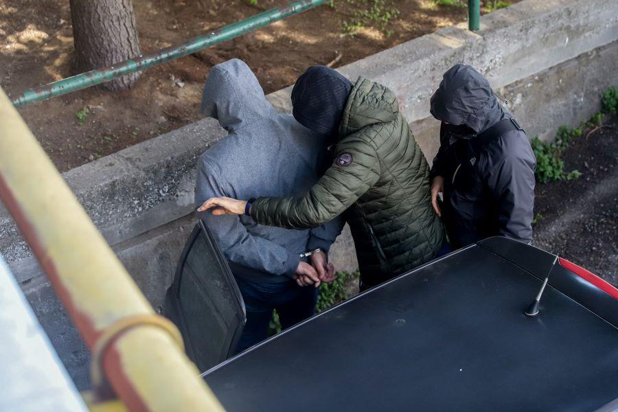 Στον ανακριτή οι κατηγορούμενοι για το οπαδικό επεισόδιο με τους πυροβολισμούς στο κέντρο της Θεσσαλονίκης – ΦΩΤΟ