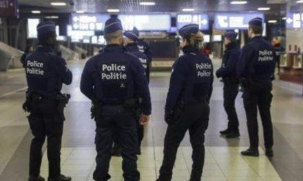 Τρόμος στις Βρυξέλλες: Άγνωστος επιτέθηκε με μαχαίρι κατά πολιτών στο μετρό – Πολλοί τραυματίες