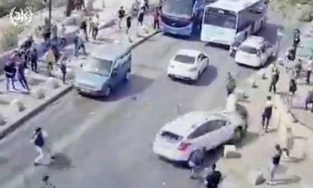 Ισραηλινός οδηγός πέφτει πάνω σε Παλαιστίνιους