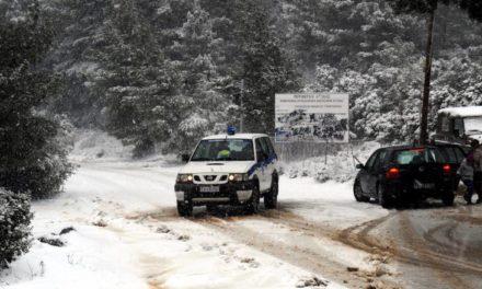 Κλειστή η λεωφόρος Πάρνηθας λόγω χιονόπτωσης