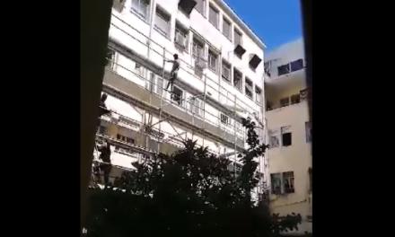 Βίντεο: Πως οι άντρες της ΔΙ.ΑΣ. σώζουν στον… αέρα τη ζωή ασθενούς στο Τζάνειο