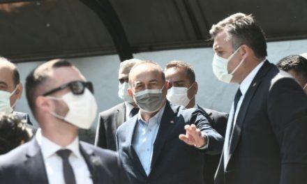 Επιμένει ο Τσαβούσογλου για τουρκική μειονότητα στη Θράκη