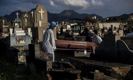 Μια ανάσα από το μισό εκατομμύριο θανάτους λόγω κορονοϊού βρίσκεται η Βραζιλία