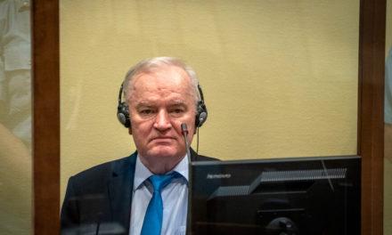 Παραμένουν τα ισόβια στον «Χασάπη των Βαλκανίων» Ράτκο Μλάντιτς για γενοκτονία