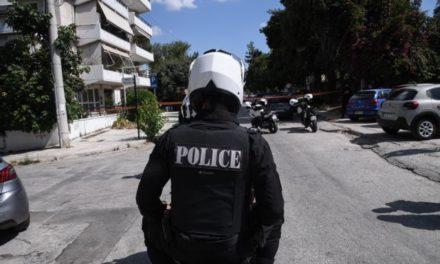 Ο αστυνομικός που νοίκιαζε τον ασύρματό του σε κακοποιούς, εργαζόταν σε φύλαξη πρώην υπουργού