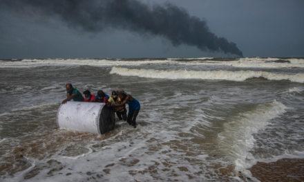 Μεγάλη οικολογική καταστροφή στη Σρι Λάνκα – Τρομακτικές εικόνες