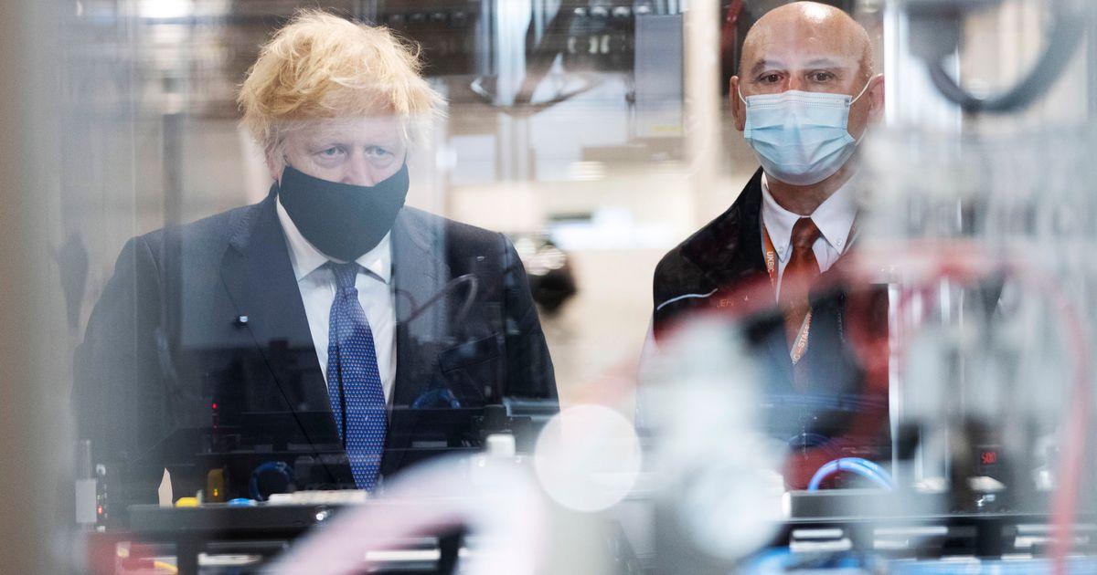 Brexit: Ο Τζόνσον θέλει νέους κανόνες για το εμπόριο με τη Β.Ιρλανδία, η ΕΕ αρνείται