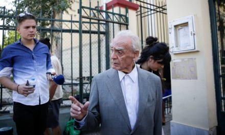 Πέθανε ο Ακης Τσοχατζόπουλος | HuffPost Greece