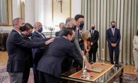 Η ορκωμοσία των νέων μελών της κυβέρνησης σε εικόνες