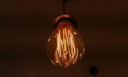 Τι σας συμφέρει; Σύγκριση τιμολογίων προμηθευτών ηλεκτρικής ενέργειας στο www.energycost.gr της ΡΑΕ