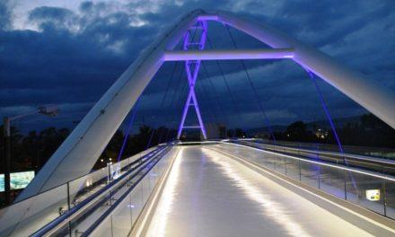 Σε λειτουργία και η δεύτερη πεζογέφυρα στη Λεωφόρο Ποσειδώνος