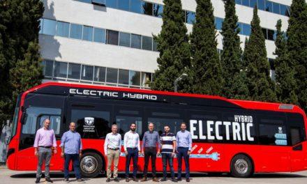 Το πρώτο υβριδικό λεωφορείο Volvo στα ΚΤΕΛ Λάρισας