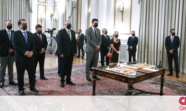 Κυβέρνηση: Άρχισαν οι διεργασίες για τον… «διάδοχο» του Αποστολάκη